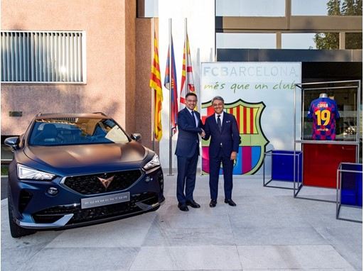 Luca de Meo, SEAT President and Chairman of the Board of CUPRA, and Josep Maria Bartomeu, FC Barcelona President