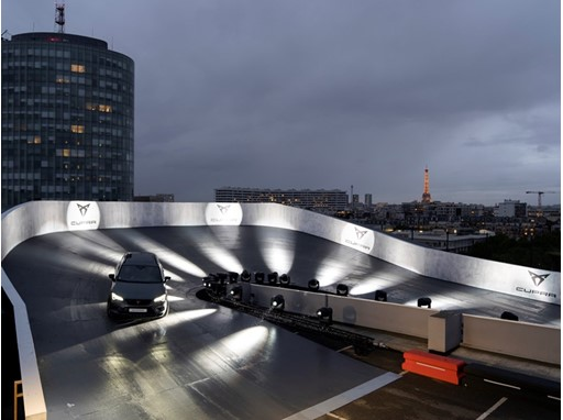 CUPRA sets up the first high-rise speed loop of Paris