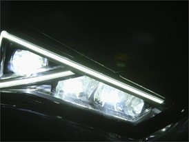 300 LEDS behind the lights of your car-CLEAN