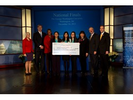 Priyanka Wadgaonkar, Zainab Mahmood, and JaiWen Pei, $100,000 Scholarship, Team Winners
