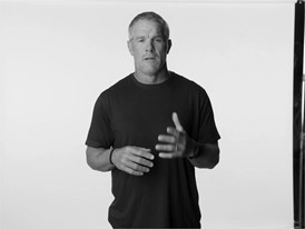 Brett Favre Distracted Driving :30 Spot