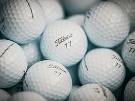 Titleist Pro V1 golf balls (Play #77)