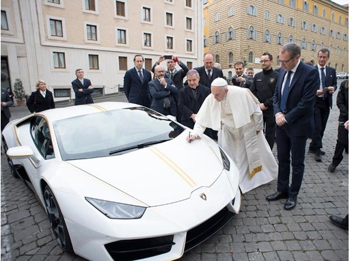 Automobili Lamborghini donates a customized Huracán to Pope Francis that will be auctioned for charity