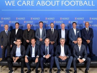 Top club coaches share ideas with UEFA