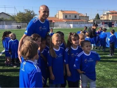 UEFA donates maxi-pitch to Marseille