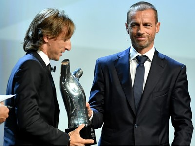 Pernille Harder and Luka Modrić voted UEFA Players of the Year
