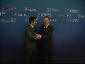 UEFA LUIS FIGO UEFA SOCIAL V3