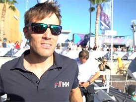 VNR: Aurelien Ducroz climbs Dongfeng's mast the day before departure of Leg 1