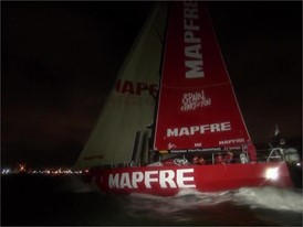 VNR 24 Dec: MAPFRE first into Melbourne to earn consecutive leg wins