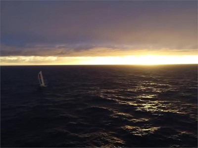 VNR 02 Apr - Brunel and Dongfeng in see-saw battle for the lead