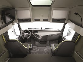 The new Volvo FH16 - interior cab