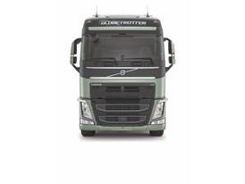 The new Volvo FH - studio image, front