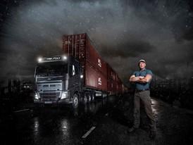 Volvo_Trucks_vs_750_Tonnes_12
