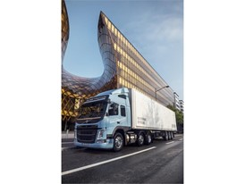 The Volvo FM LNG for regional transport operations runs on natural gas or biogas and offers the same performance as a di