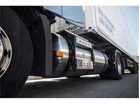 The Volvo FH LNG and Volvo FM LNG are available with fuel tanks that offer a range of up to 1000 km
