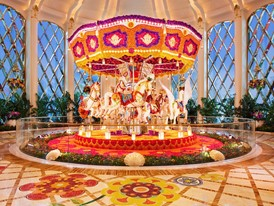 Wynn Palace  Carousel Floral Sculpture by Preston Bailey Roger Davies