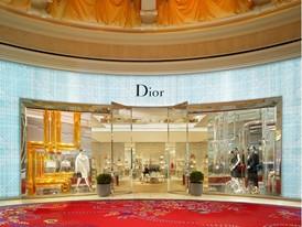 Dior-Exterior-Barbara Kraft