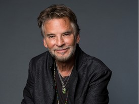 Kenny Loggins - Photo Credit Leslie Hassler