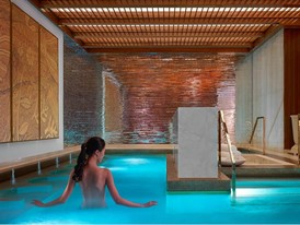 The Spa at Wynn Palace Jacuzzi by Barbara Kraft