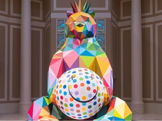 Wynn Resorts Acquires Smiling King Bear Sculpture  By Spanish Contemporary Artist Okuda San Miguel