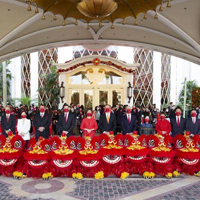 永利管理层团队于醒狮贺岁表演后于永利皇宫大合照