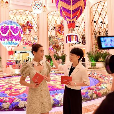 Wynn hosts live streaming session with Mainland Chinese blogger Paris Wang