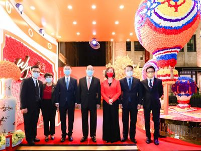 """Government Delegates visit the Wynn booth at the """"Macao Week in Shanghai"""" mega roadshow"""