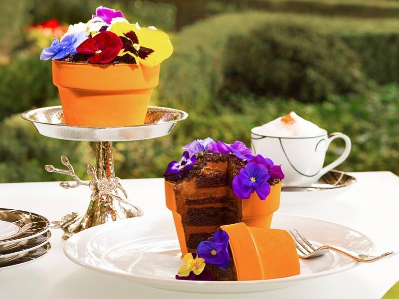 Wynn Las Vegas | Pressroom : Jardin - Signature Fleur Cake