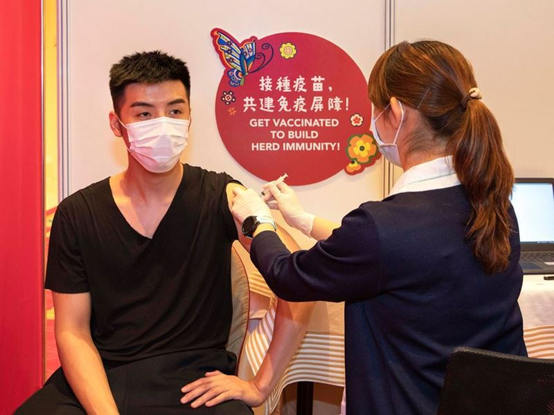 Over 1,700 people got vaccinated