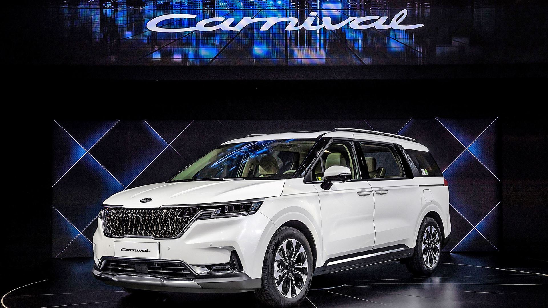 Kia Motors reveals new K5 and Carnival at Auto China 2020 - Image 5