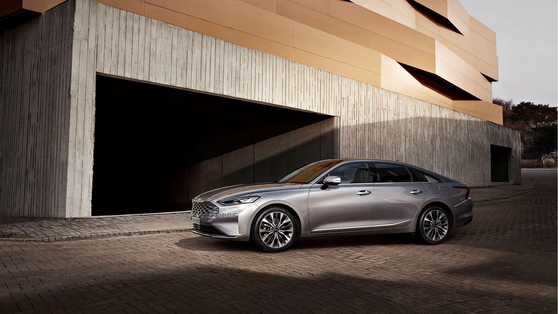 K8, a modern innovative sedan, heralds the newly transformed Kia brand - Image 2