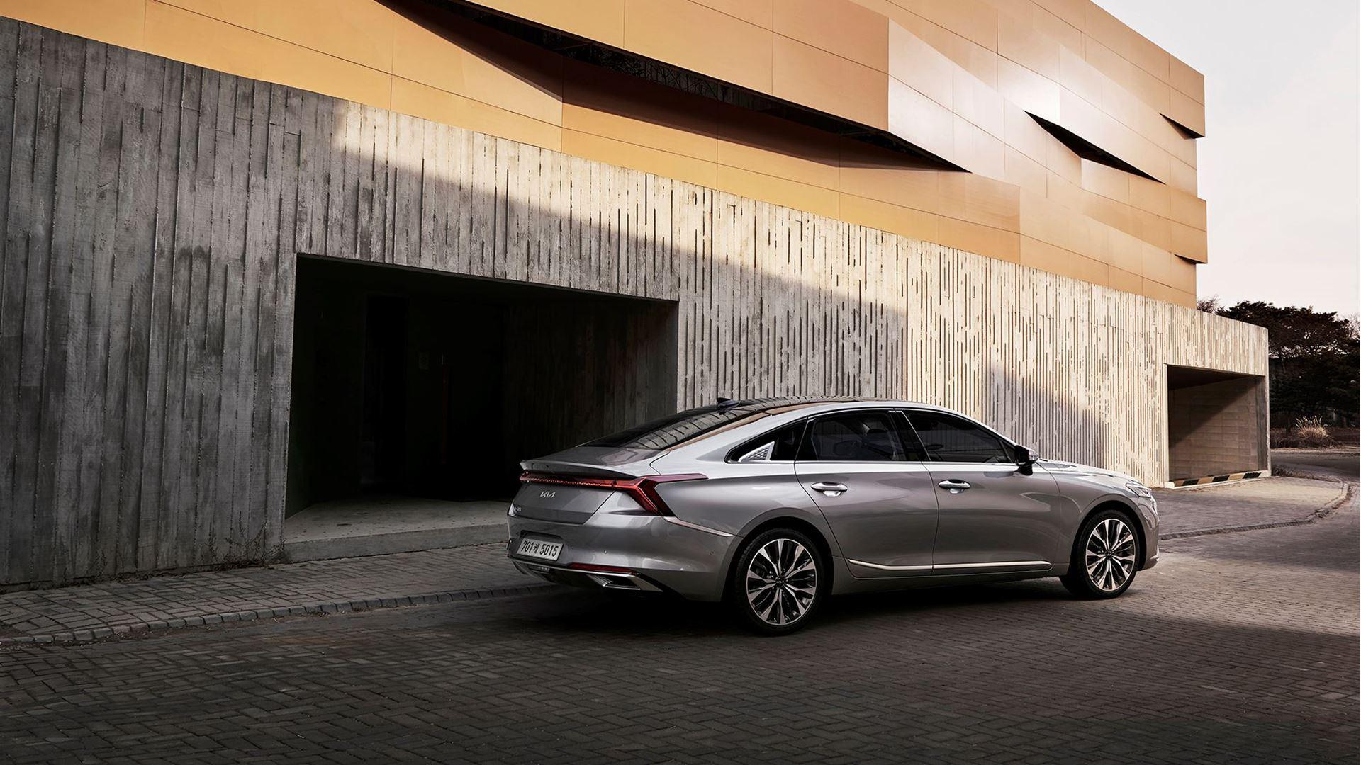 K8, a modern innovative sedan, heralds the newly transformed Kia brand - Image 1