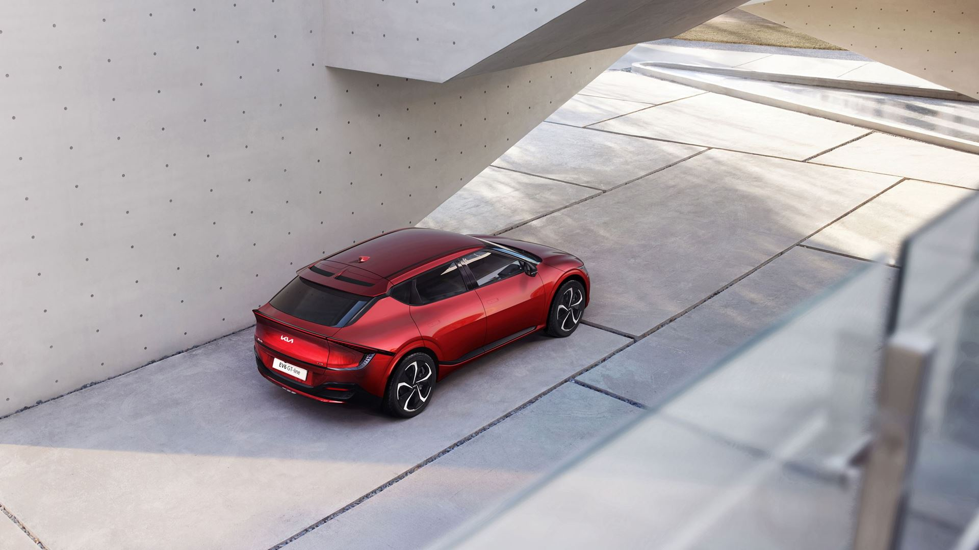 Kia EV6 redefines boundaries of electric mobility with inspiring design, exhilarating performance and innovative space - Image 1