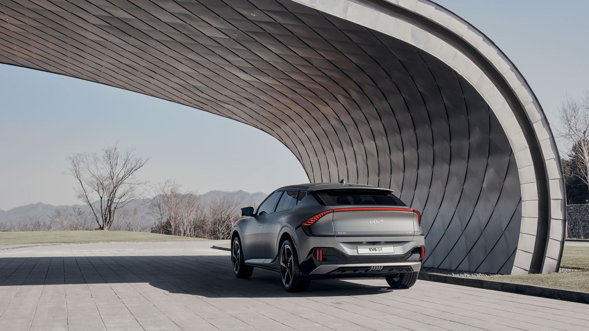 Kia EV6 redefines boundaries of electric mobility with inspiring design, exhilarating performance and innovative space - Image 7