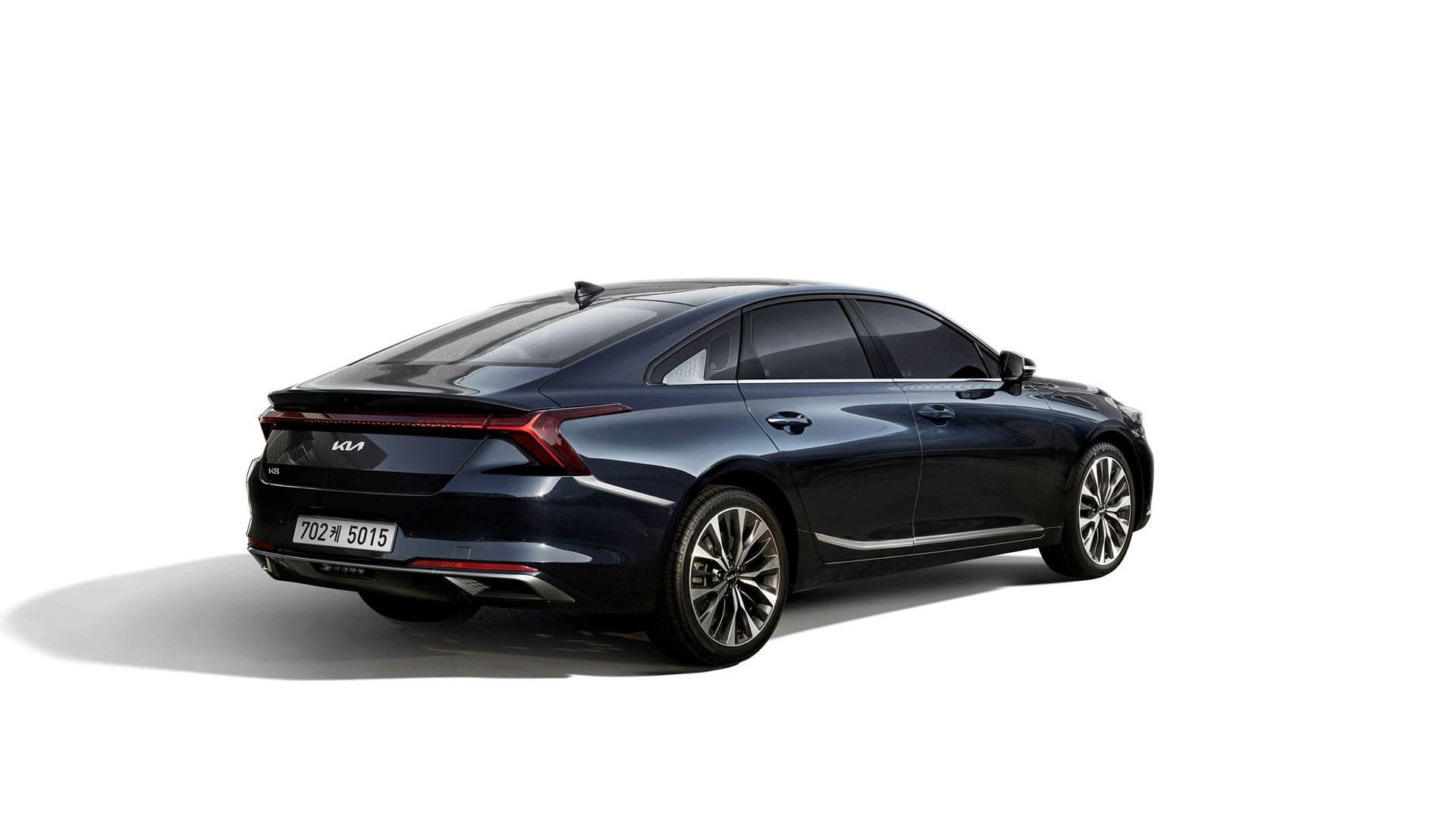 The high-tech Kia K8 reimagines and transforms the sedan class - Image 4