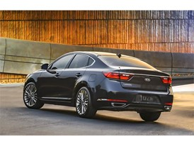 Kia Cadenza (rear quarter)