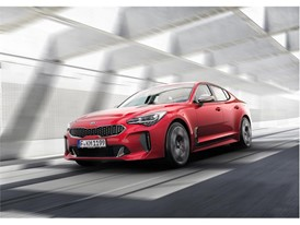 Kia Stinger GT Dynamic (1)_EU Spec