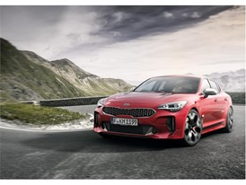 Kia Stinger GT Dynamic (2)_EU Spec