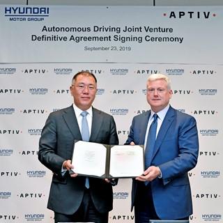 Euisun Chung, Executive Vice Chairman, Hyundai Motor Group / Kevin Clark, President and Chief Executive Officer, Aptiv