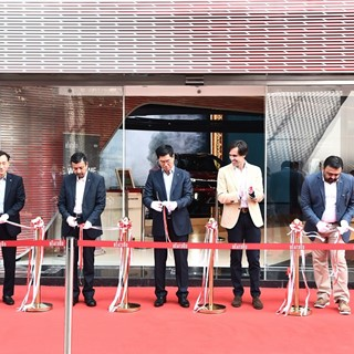 Kia Motors India inaugurates BEAT360, a first-of-its-kind brand experience center in Cyberhub, Gurgaon