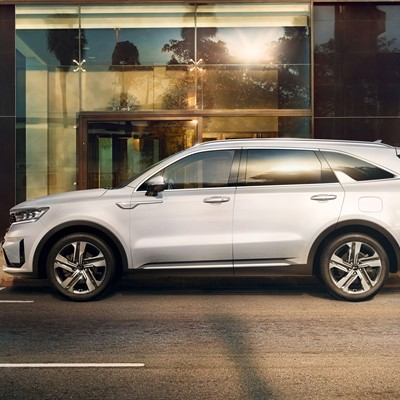 The new Kia Sorento - Side