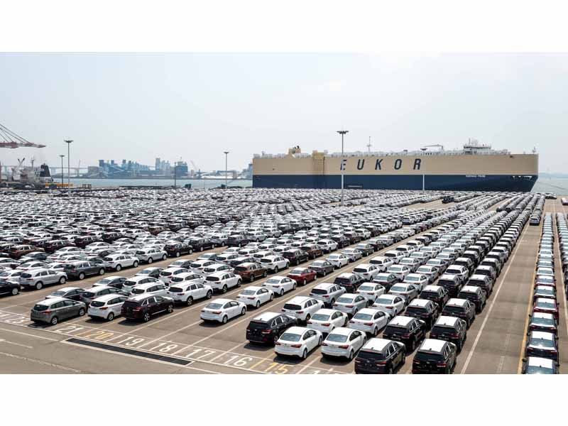 Kia cars awaiting shipment at Pyeongtaek Port 1