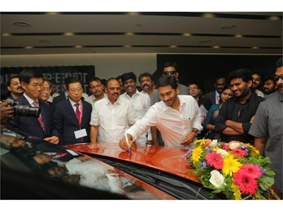 Honorable Chief Minister of Andhra Pradesh Shri Y. S. Jagan Mohan Reddy signing on Kia Seltos