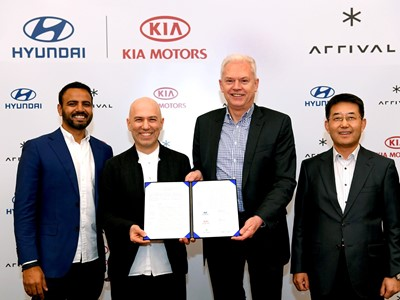 Hyundai and Kia Make Strategic Investment in Arrival signing ceremony