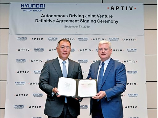 Euisun Chung, Executive Vice Chairman, Hyundai Motor Group / Kevin Clark, President and Chief Executive Officer, Aptiv