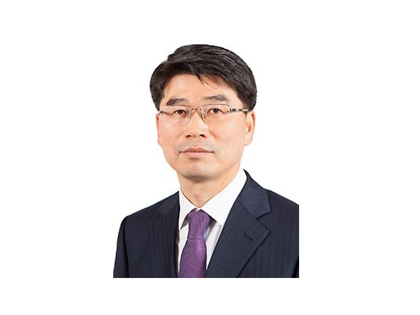 Kia Motors Corp President Ho-sung Song