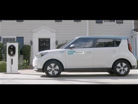 Kia Motors shows Soul EV and next-generation hybrid powertrain at Geneva Show