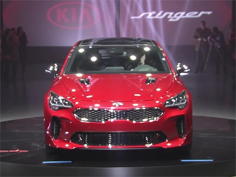Kia Motors Global Media Center : 2018 <b>Kia Stinger</b> Makes World ...