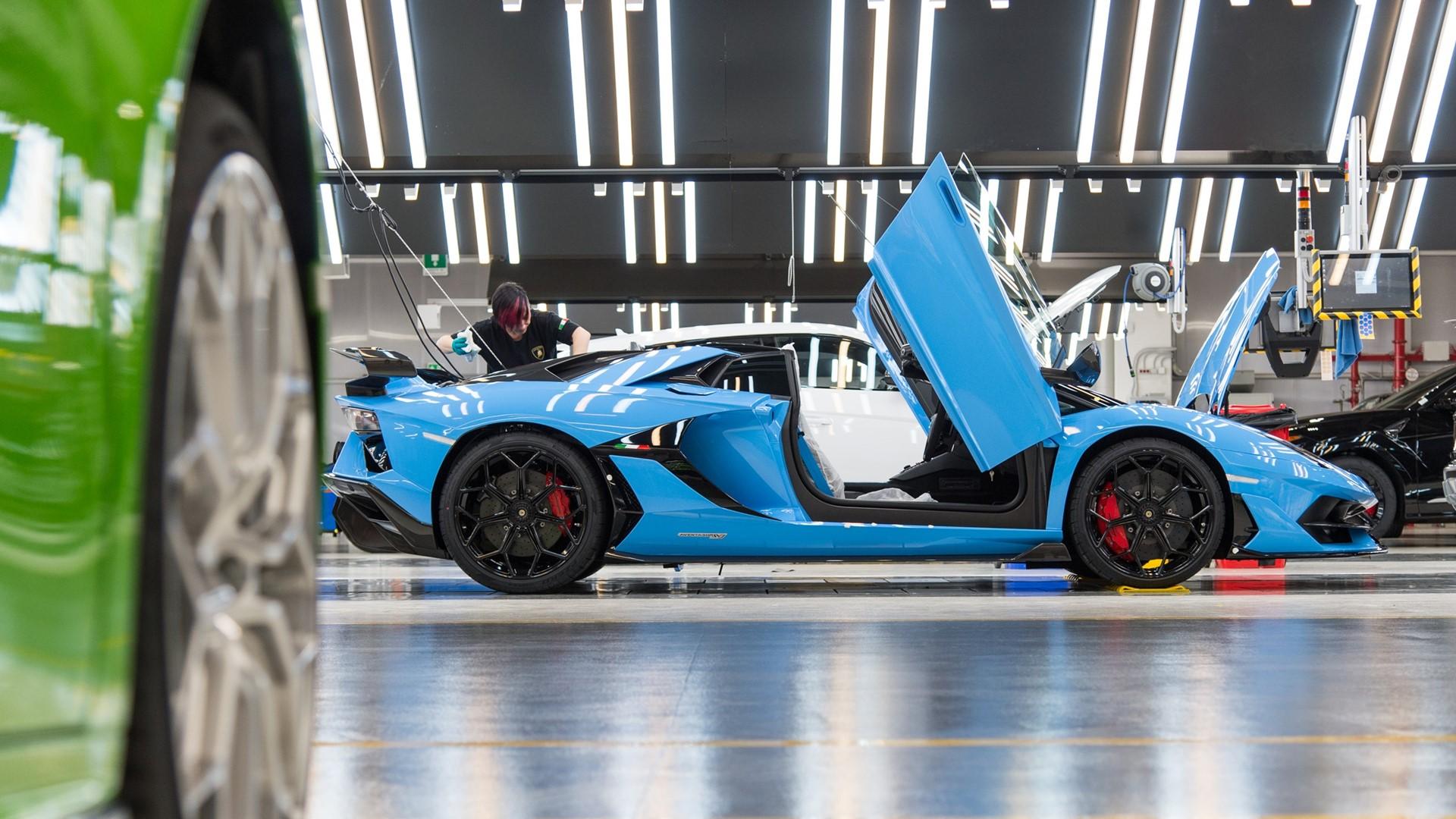 Lamborghini Christmas Drive: a holiday journey with Aventador SVJ, Huracán EVO and Urus celebrates a successful 2019 - Image 5