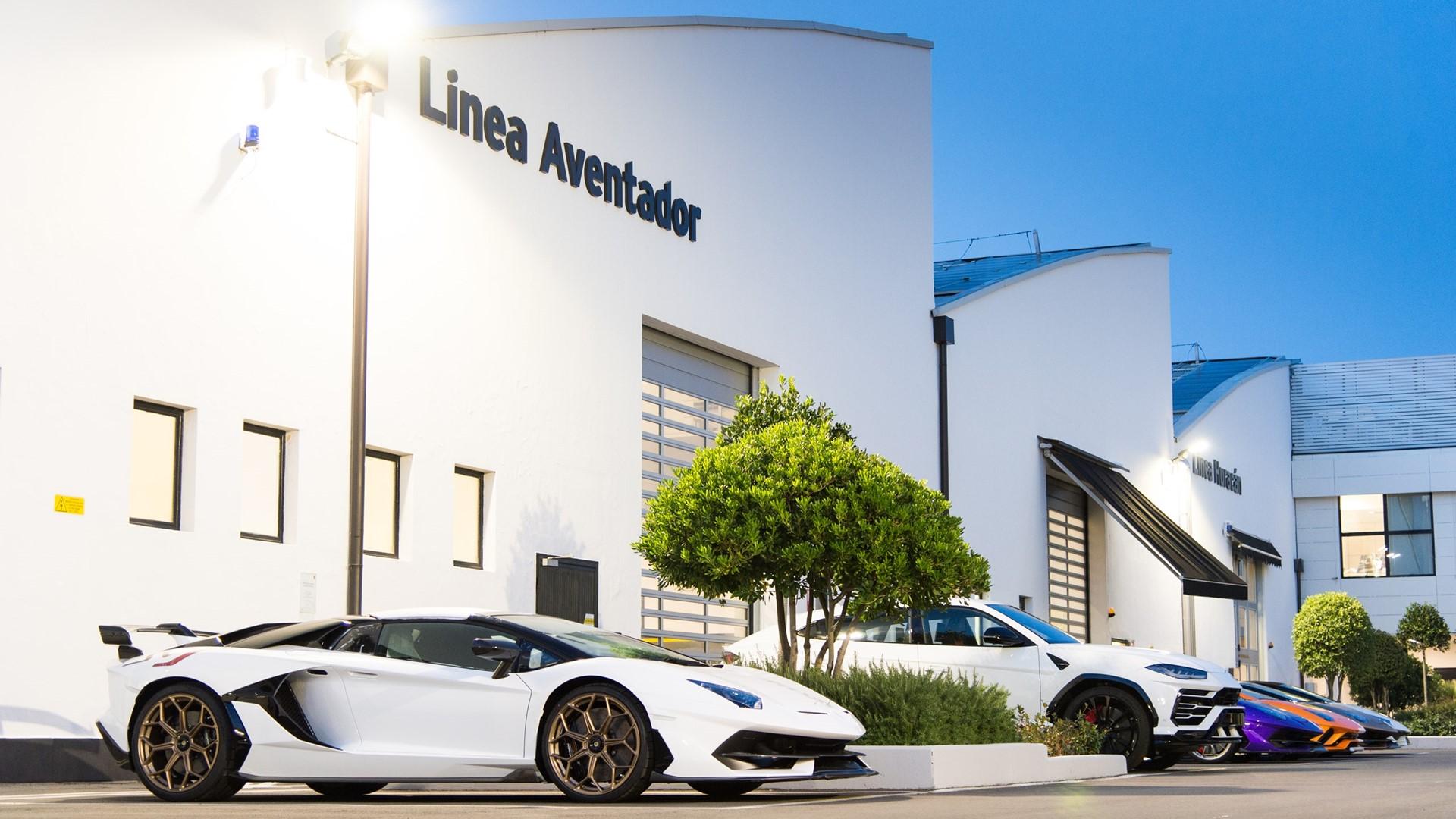 Lamborghini Christmas Drive: a holiday journey with Aventador SVJ, Huracán EVO and Urus celebrates a successful 2019 - Image 2